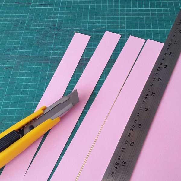 cắt ống hút giấy